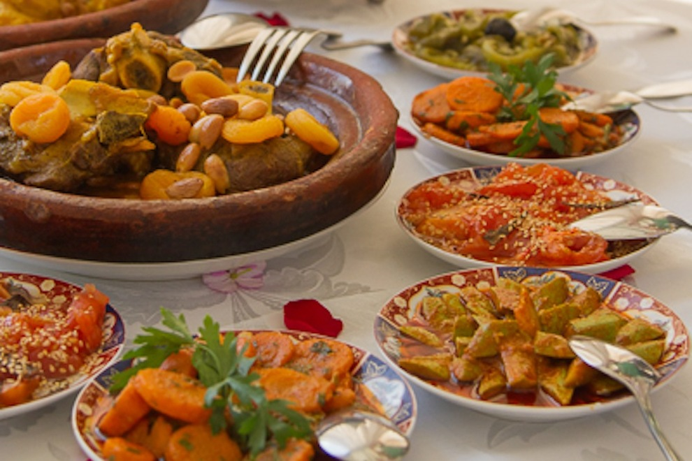 http://www.tripadventuremorocco.com/photos/cooking-lessons-nomade-life-in-morocco/01.jpg